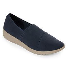 Yuu Bevel Womens Slip-On Shoes