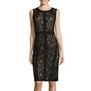 Ronni Nicole Sleeveless Seam-Detail Lace Sheath Dress