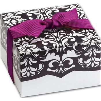 Black & White Dynamic Design Favor Boxes